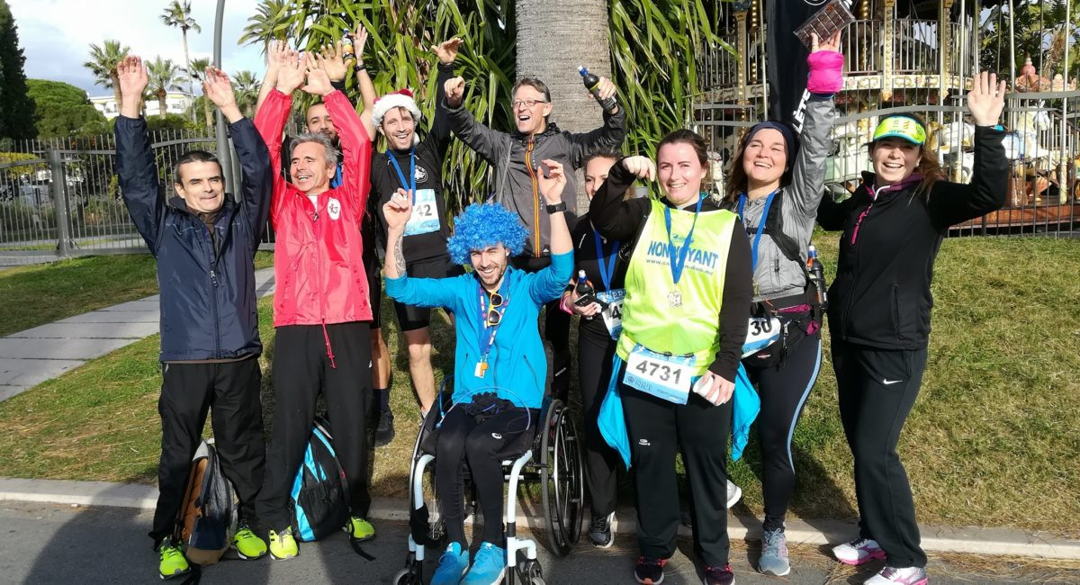 photo du groupe athlètisme à l'arrivée de la course